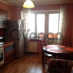 Сдается в аренду квартира 2-ком 60 м² Рябиновая,д.3