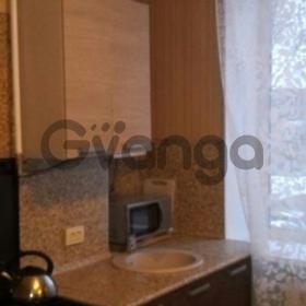 Сдается в аренду квартира 2-ком 63 м² Строителей,д.20