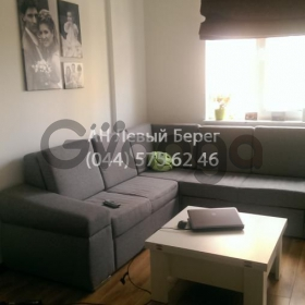 Продается квартира 2-ком 60 м² ул. Выставочная, 8, метро Бориспольская