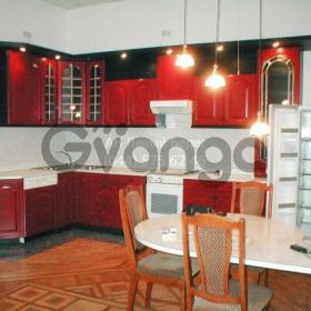 Сдается в аренду квартира 4-ком 152 м² ул. Рогнединская, 3, метро Площадь Льва Толстого