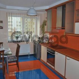 Сдается в аренду квартира 4-ком 160 м² ул. 40-летия Октября (Голосеевский), 27, метро Голосеевская