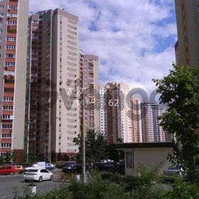 Продается квартира 2-ком 70 м² ул. Урловская, 38, метро Осокорки
