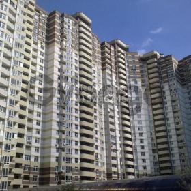 Продается квартира 2-ком 68 м² ул. Ахматовой Анны, 22, метро Позняки