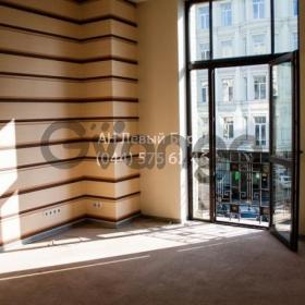 Сдается в аренду офис 456 м² ул. Жилянская, 48