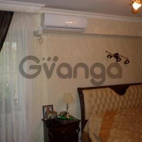 Продается квартира 2-ком 43 м² Суворова ул.