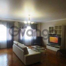 Сдается в аренду квартира 4-ком 150 м² Суворова ул.