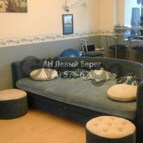 Продается квартира 2-ком 42 м² ул. Драгоманова, 14, метро Позняки