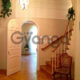 Сдается в аренду квартира 4-ком 125 м² ул. Ольгинская, 2/1, метро Крещатик