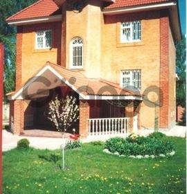 Сдается в аренду дом с участком 400 м²