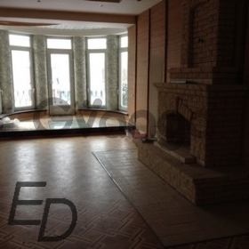 Продается дом с участком 1350 м²