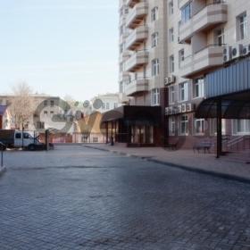 Продается квартира 3-ком 257 м² Постовая, 16