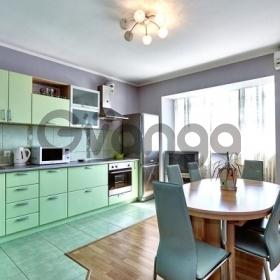 Продается квартира 3-ком 102 м² 70 лет Октября, 12
