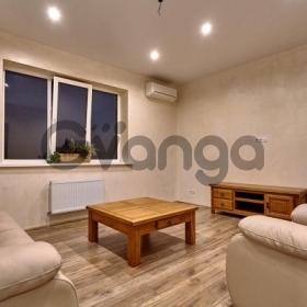 Продается квартира 2-ком 70 м² Кожевенная, 24