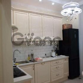 Продается квартира 3-ком 88 м² ул. Красногвардейская, 8, метро Черниговская