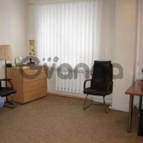 Продается квартира 2-ком 72 м² Суворова ул.