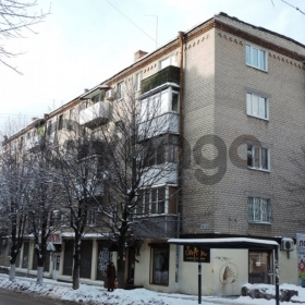 Продается квартира 2-ком 45 м² Дзержинского ул. 19