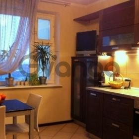 Сдается в аренду квартира 2-ком 63 м² Овражная,д.1к2