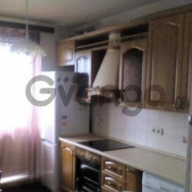 Сдается в аренду квартира 2-ком 56 м² Белая дача,д.21