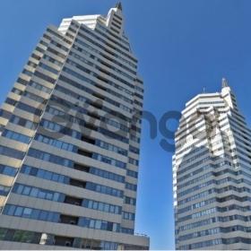 Продается квартира 5-ком 157 м² Дзержинского ул.