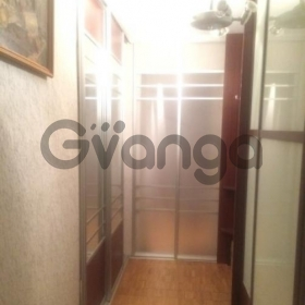 Сдается в аренду квартира 2-ком 56 м² Маршала Крылова,д.14