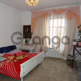 ТЕРМІНОВИЙ ПРОДАЖ !  3-кімнатна квартира в центрі Львова, вул. Театральна 23 (біля Вернісажу), площа 120.4/82.3/15.2м², вартість 130 000 $