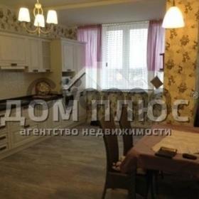 Продается квартира 3-ком 81 м² Феодосийская