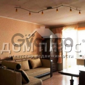 Продается квартира 3-ком 67 м² Драйзера Теодора