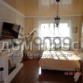 Продается квартира 2-ком 55 м² Бережанская