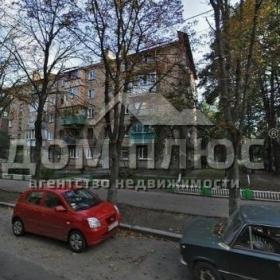 Продается квартира 2-ком 46 м² Салютная