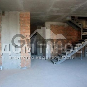 Продается квартира 3-ком 158 м² Уборевича Командарма
