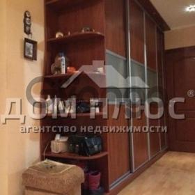Продается квартира 4-ком 90 м² Свободы просп