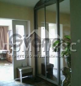 Продается квартира 4-ком 115 м² Старонаводницкая