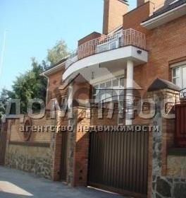 Продается дом 8-ком 623 м² Достоевского пер