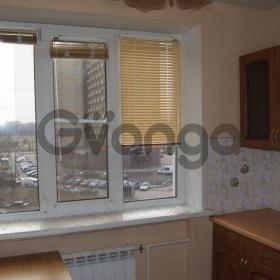 Сдается в аренду квартира 2-ком Буренина Ул.,  1к1, метро Площадь Ленина
