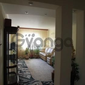 Продается квартира 3-ком 90 м² ул. Григоренко Петра, 3а