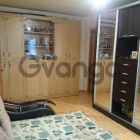 Продается квартира 2-ком 46 м² Маршала Жукова ул.