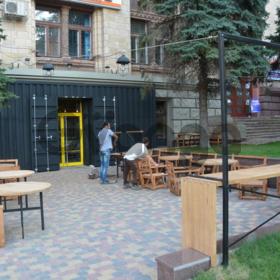 """Вход в кафе, ресторан, офис, дом. """"Броневик"""" Днепропетровск."""