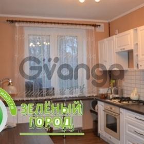 Продается квартира 2-ком 56 м² Фабричная