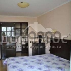 Продается квартира 2-ком 48 м² Госпитальная