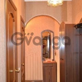 Сдается в аренду квартира 2-ком 52 м² Индустриальный проспект, , метро Ладожская