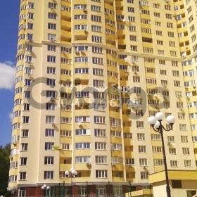 Продается квартира 2-ком 72 м² ул. Трутенко Онуфрия, 3, метро Васильковская