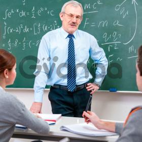 Русский учитель или профессор и переводчик нужен в нашем университете.