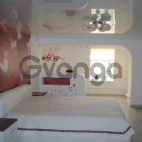 Квартира с красивым ремонтом, мебелью и техникой.