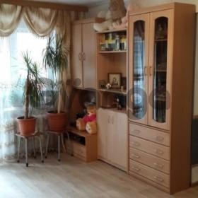 Продается квартира 2-ком 45  Локомотивный, 2