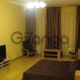 Сдается в аренду квартира 1-ком 70 м² улица Рубинштейна, 9, метро Достоевская