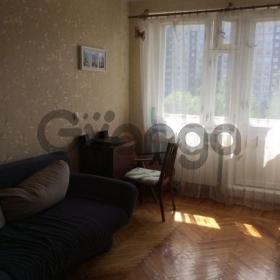 Сдается в аренду квартира 1-ком 46 м² улица Латышских Стрелков, 17к1, метро Ладожская