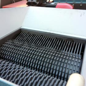 Шредер для полимеров, биг-бегов целиком, пластмасс, тары и упаковок. 800 кг/час.