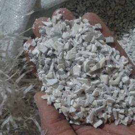 Куплю в больших количествах дробленое вторичное сырьё полистирола по Украине.