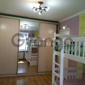 Продается квартира 2-ком 42 м² ул. Академика Курчатова, 11, метро Черниговская