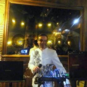 Живая музыка в кафе и ресторанах (сезонная работа) на побережье моря